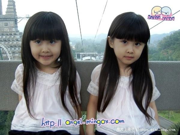 最萌双胞胎小萝莉