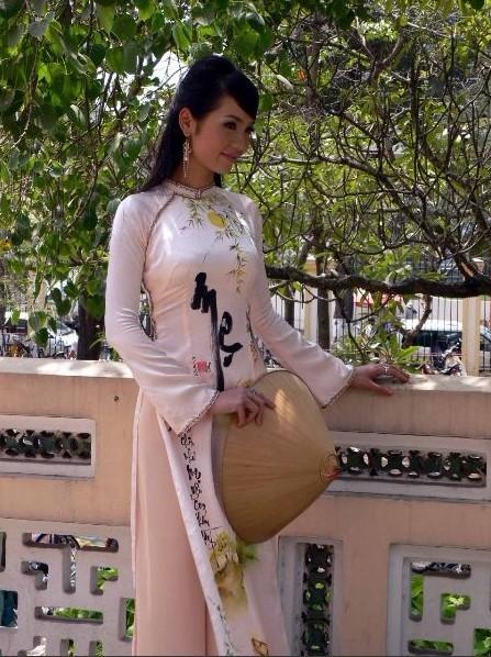 充满古典神韵的越南传统美女图片