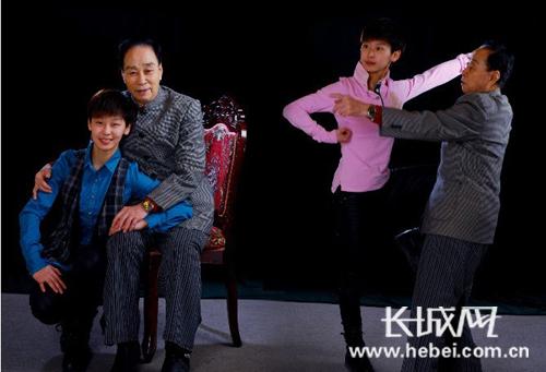 谢涵与师爷郭景春在一起。 照片由嘉宾提供