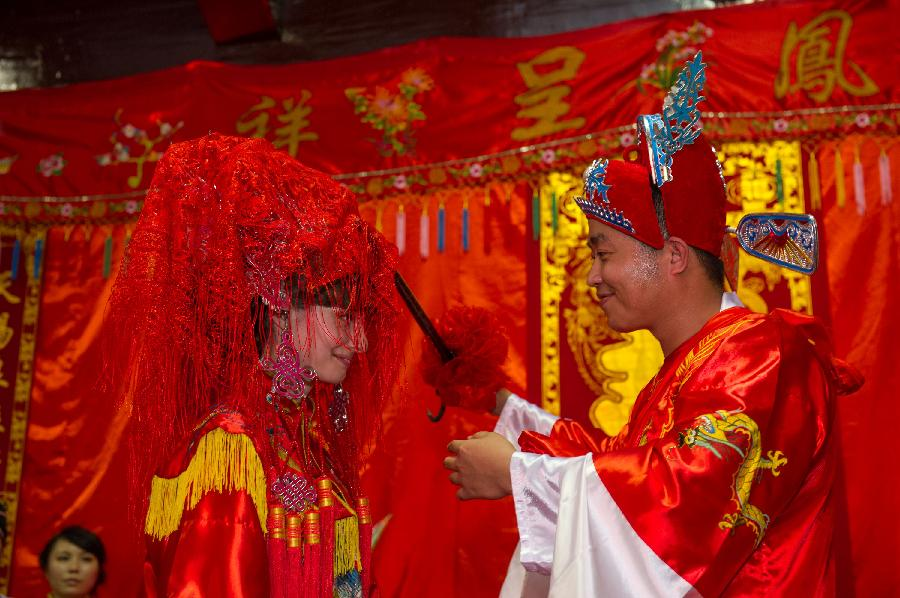 Traditional Wedding Ceremony Held For Mixed Marriage In Chinas Chongqing