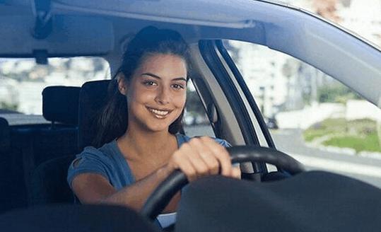 新手第一辆车选手动还是自动好?