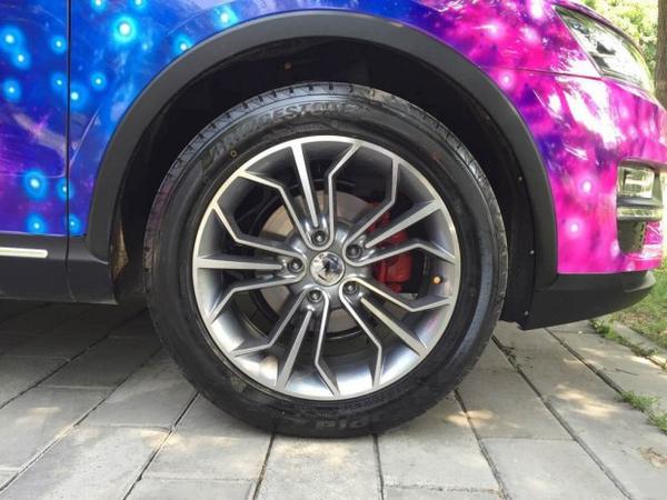 众泰SR7优惠高达3500元现车销售