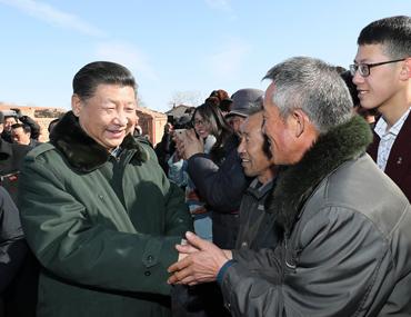 习近平春节前夕赴河北张家口看望慰问基层干部群众