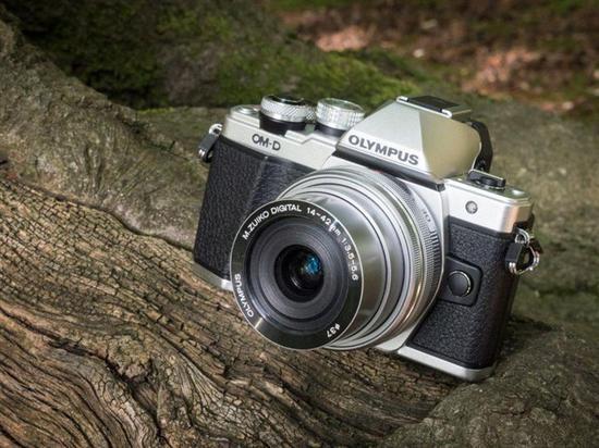 复古造型微单相机:奥林巴斯E-M10 Mark II