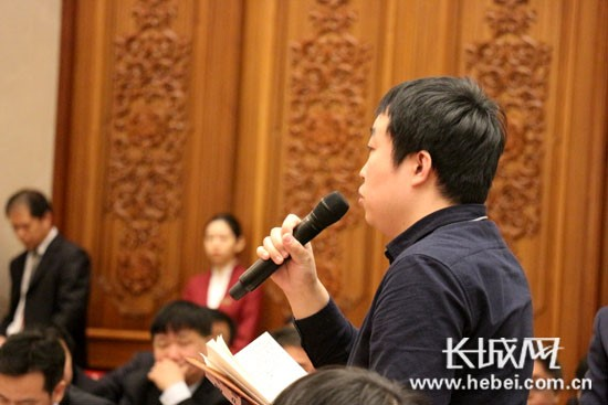 张庆伟回答记者提问