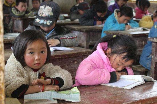 """经费不足、师资匮乏……农村学前教育需补""""短板"""""""