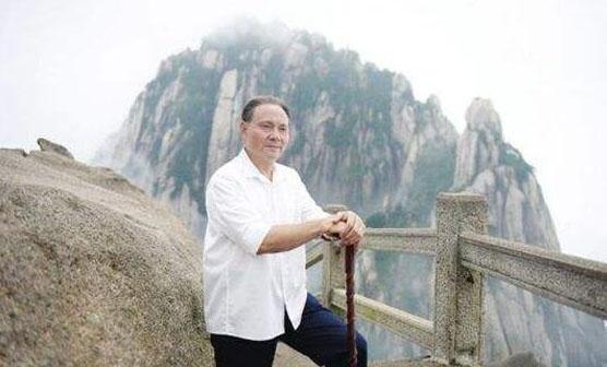 电影《邓小平登黄山》在承德首映