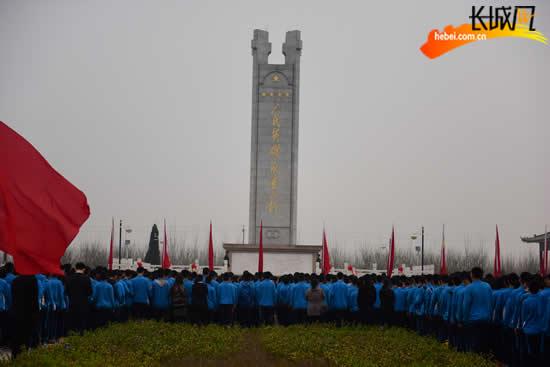 衡水阜城县举行千名学生干部文明祭扫活动