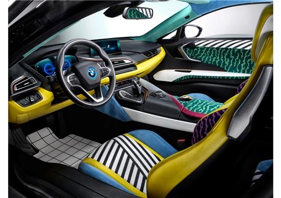宝马展出孟菲斯设计风格版BMW i3和BMW i8