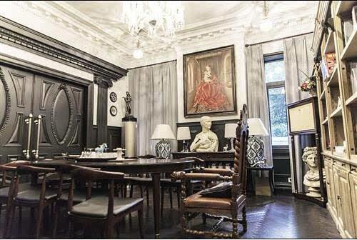 郭敬明 郭敬明的家跟《小时代》中的奢华相比有过之而不及。
