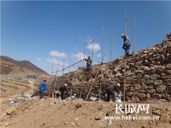 台营镇石碑沟段长城进行修缮