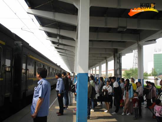 端午小长假衡水火车站加开列车1对 方便旅客出行