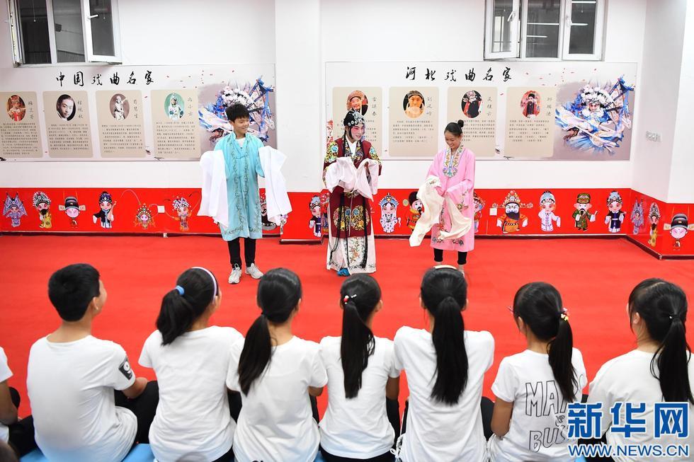衡水枣强:戏曲表演进校园