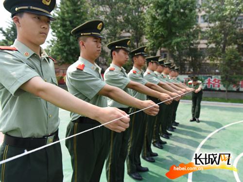 沧州边防加强训练备战即将到来的夏季客流高峰