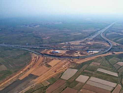 京新高速河北段加紧施工