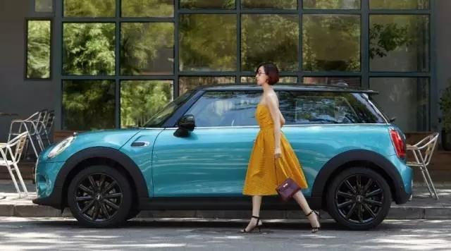 加勒比蓝配色 MINI COOPER限量版售28.5万