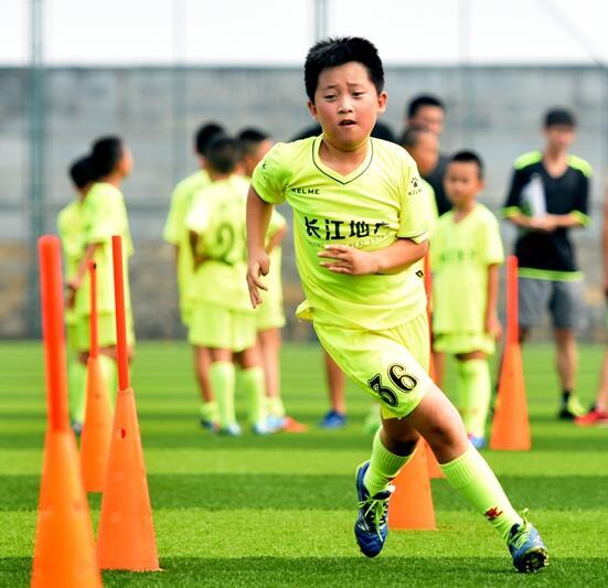 河北青少年足球青训营开营