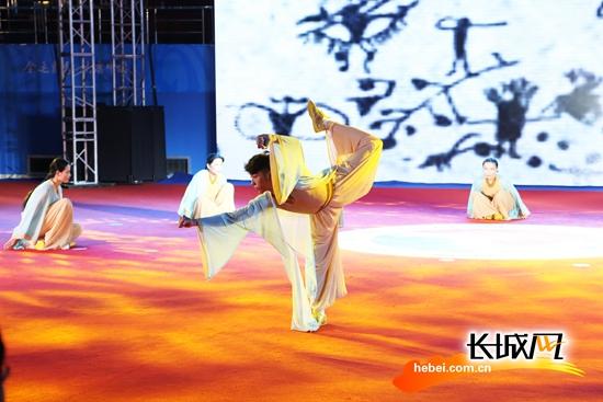 全运进行时:气舞项目决赛 河北队9.28分摘得银牌
