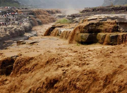 黄河壶口瀑布迎来伏汛