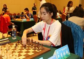 国际象棋项目开赛 美女棋手成赛场风景