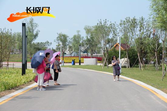 """河北省首届园博会开园""""满月"""" 接待游客30万人次"""