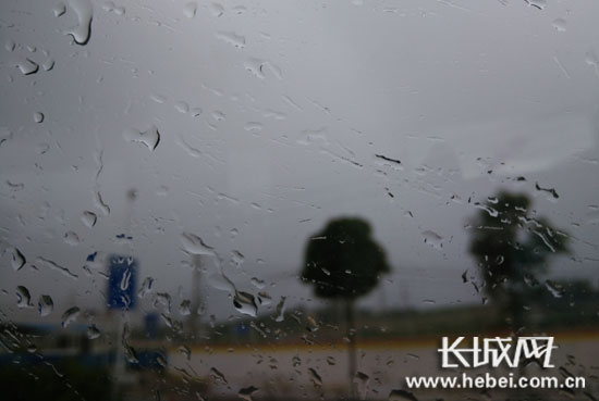【燕赵妹说天气】雷雨剧情继续上演!<br>未来三天河北的小伙伴们要谨防强对流天气突袭