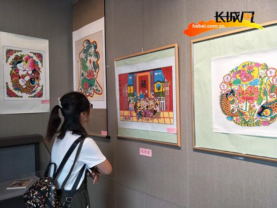 """迎""""十九大""""新年画作品展在武强县年画博物"""