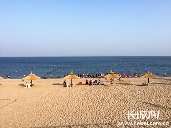 长城网秦皇岛9月19日讯(记者 张琦 闫思宇)沙雕海洋乐园位于秦皇岛
