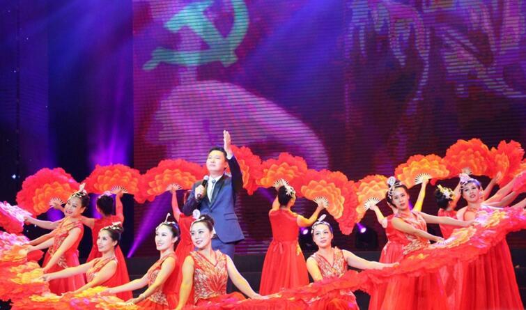 河北省直机关首届文化艺术节汇报演出(组图)