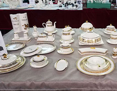 弘扬工匠精神 唐山命名陶瓷行业杰出工匠和杰出能手