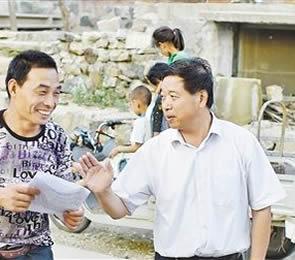 河北阜平县长角村第一书记王越祥
