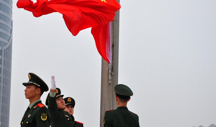 【升国旗 唱国歌 祖国在我心中】秦皇岛举办升国旗仪式献礼国庆