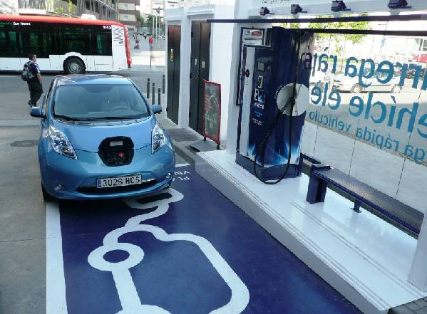 壳牌在英首推电动车快速充电服务 半小时充电80%
