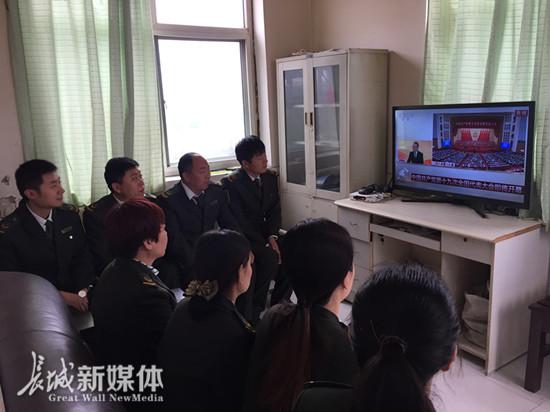 邯郸市各级团组织集中收听收看十九大开幕会