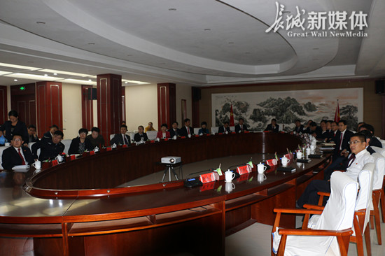 【直通党代会】<br>鸡泽县围绕报告进行学习交流