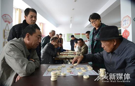 邯郸市一社区连续24年举办象棋比赛
