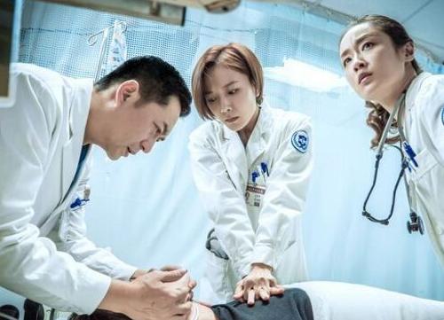 什么才是急诊科医生的正确姿势,在死神面前救回患者