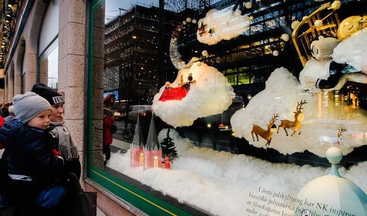 斯德哥尔摩张灯结彩迎圣诞