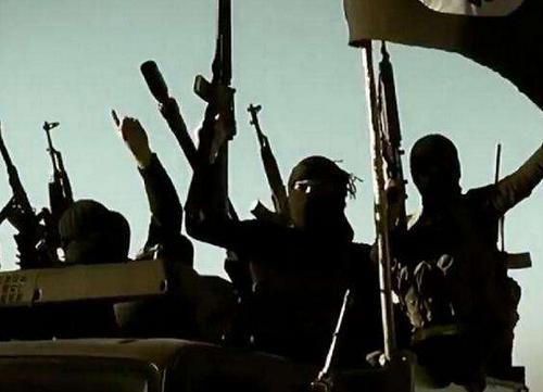 极端组织逃跑时不忘自拍 最后时刻被炮弹炸飞