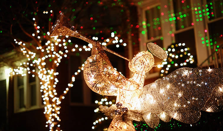"""纽约布鲁克林""""圣诞小镇""""盛装迎圣诞"""