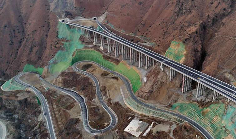 雅康高速公路雅泸段将试通车
