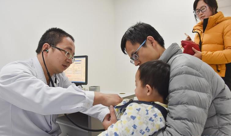 儿科全员上岗 削峰应对流感