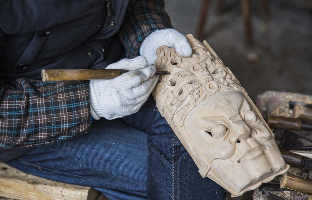 贵州安顺:精雕细琢的地戏面具