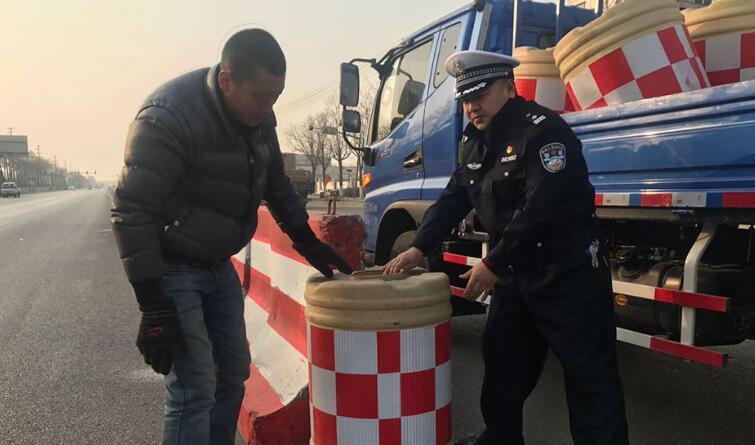 唐山交警九大队:消除安全隐患 保障行车安全