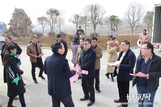 【网络媒体走转改】馆陶县组织艾草考察团到南阳市进行实地考察