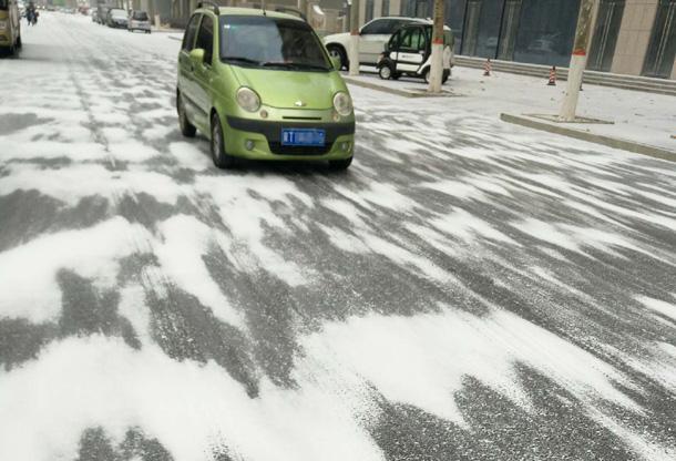 衡水迎来2018年的第一场雪:风起温度降 空气很清新