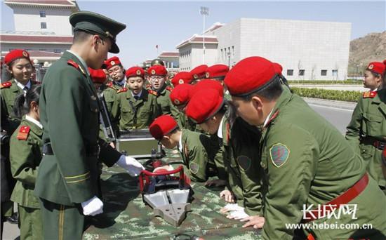 """秦皇岛两所学校被教育部命名为""""中小学国防教育示范学校"""""""