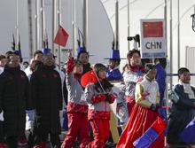 中国体育代表团在奥运村举行升旗仪式