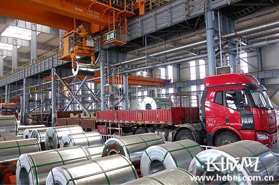 1月份河北外贸进出口小幅增长 总值300亿元人民币<br>高新技术产品进出口增长迅速 钢材出口价升量减