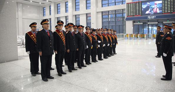 【新春走基层】石济高铁首个春运 衡水铁路人坚守岗位
